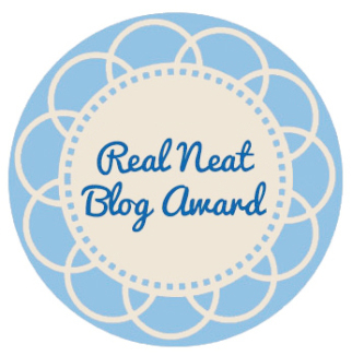 Elleword Received the Pretty Neat Blog Award