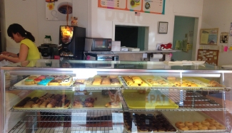 Lot's of sweet treats at the donut shop